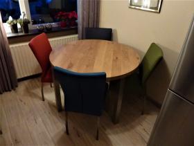 Ronde eiken tafel met rvs poten model Brest