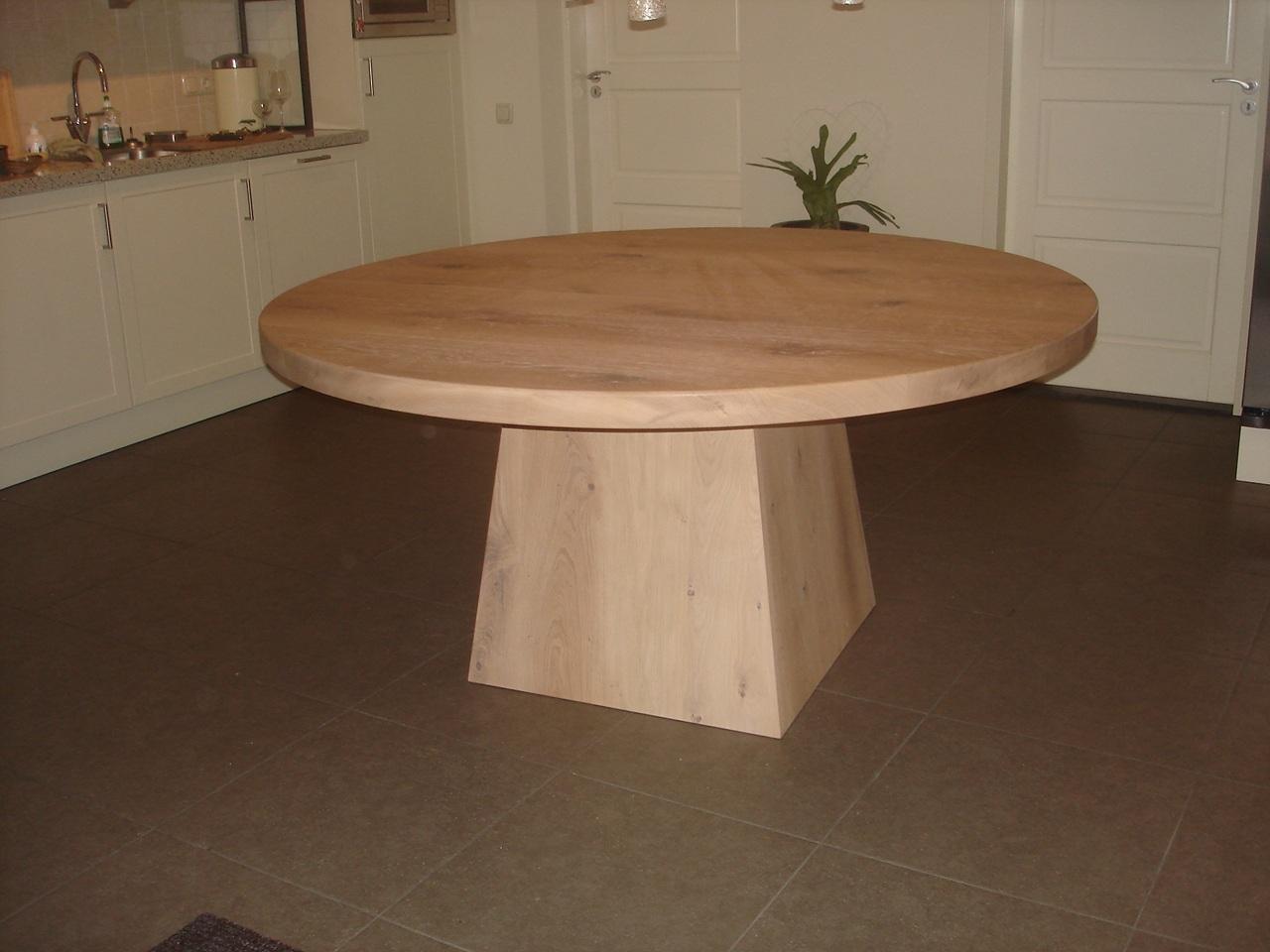 Eetkamerstoelen en tafels op maat ronde eiken tafel met tapse
