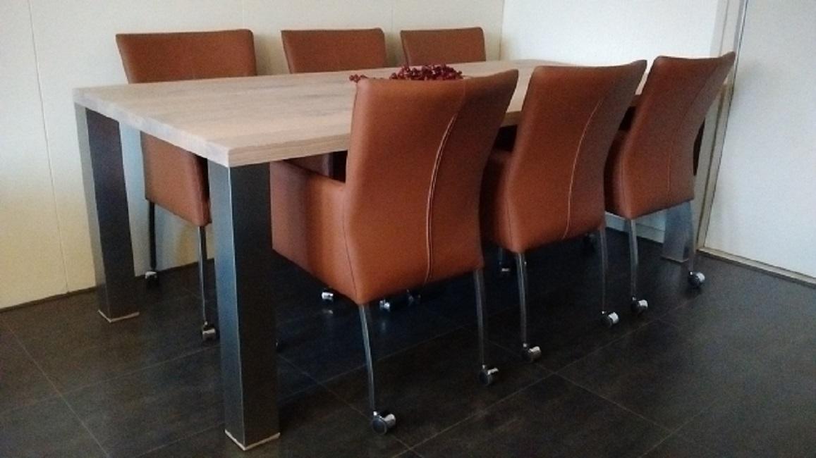 Aanbiedingen eetkamerstoelen tafels kasten